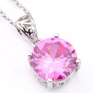 Jewelry - NEW! Natural pink topaz necklace